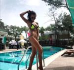 Катя Жужа позирует в купальнике фото май 2017 во время отдыха в Турции
