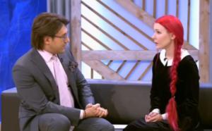 """На фото Андрей Малахов и Анастасия Шпагина в студии """"Пусть говорят"""""""