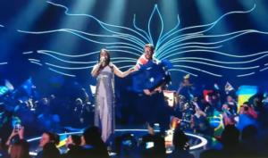 Виталий Седюк выбежал на сцену во время выступления Джамалы (Евровидение 2017)
