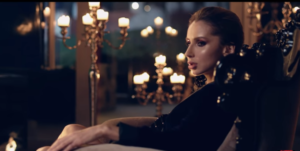 """Светлана Лобода кадр из музыкального видео на песню """"Случайная"""" 2017 год"""