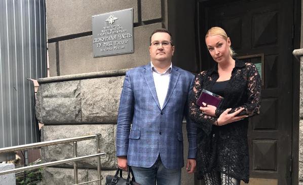 Анастасия Волочкова написала заявление на бывшего водителя