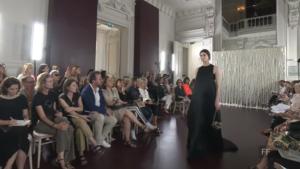 Фото показа коллекции Валентино на Парижской неделе моды в июле 2017