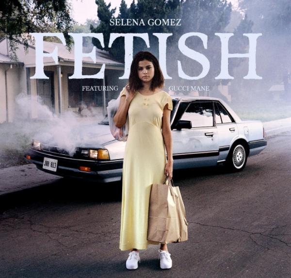 Песня Селены Гомес «Fetish» вышла на первое место по продажам