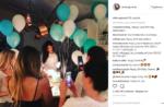 Селена Гомес в день своего 25-летия с друзьями, фото из Инстаграма