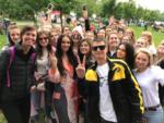 На фото Алена Водонаева с гостями фестиваля VK Fest 2017