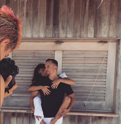 Певица Нюша подтвердила, что вышла замуж, фото с мужем
