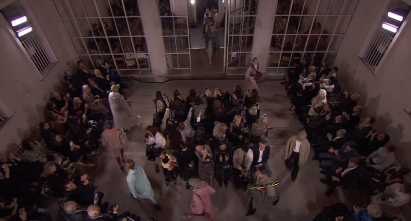 Лондонская неделя моды: показ Burberry, видео