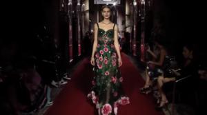 Фото показа коллекции Dolce & Gabbana весна-лето 2018 в Милане в сентябре 2017