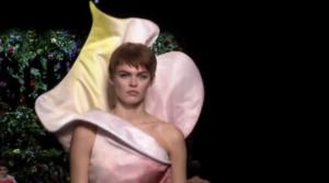 Фото с показа коллекции Москино на Неделе моды в Милане в сентябре 2017