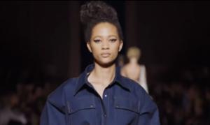 Фото с показа весенне-летней коллекции 2018 Тома Форда на Неделе моды в Нью-Йорке в сентябре 2017
