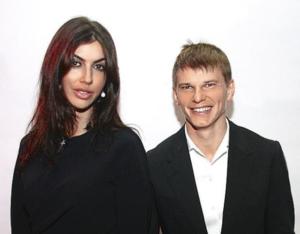На фото Андрей Аршавин и Алиса Казьмина