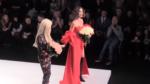 Ольга Бузова и Белла Потемкина фото в конце показа коллекции на Неделе моды Мерседес-бенц в Москве в октябре 2017