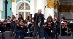 Фото Дмитрия Хворостовского во время репетиции концерта ко Дню города в Санкт-Петербурге в мае 2017