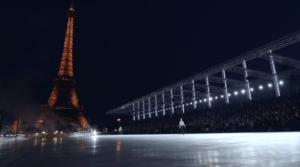 Фото Эйфелевой башни во время показа коллекции Сен Лорана в октябре 2017