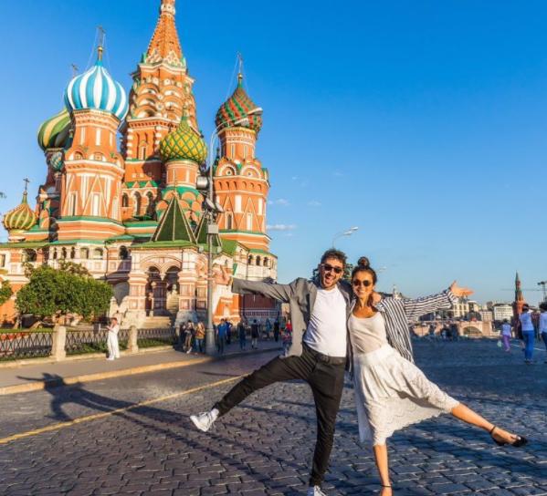 Сати Казанова опровергла новости о свадьбе