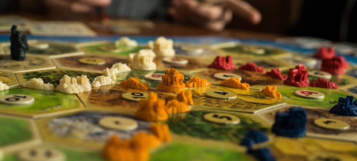 Почему настольные игры не только увлекательны, но и полезны?