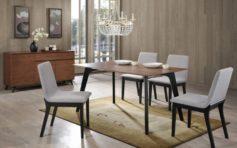 Дизайнерские стулья в интерьере загородного дома